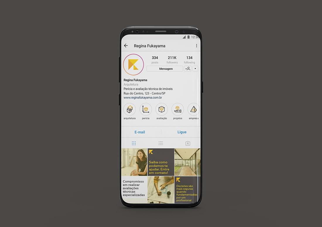 imagem de um celular com simulação de Instagram